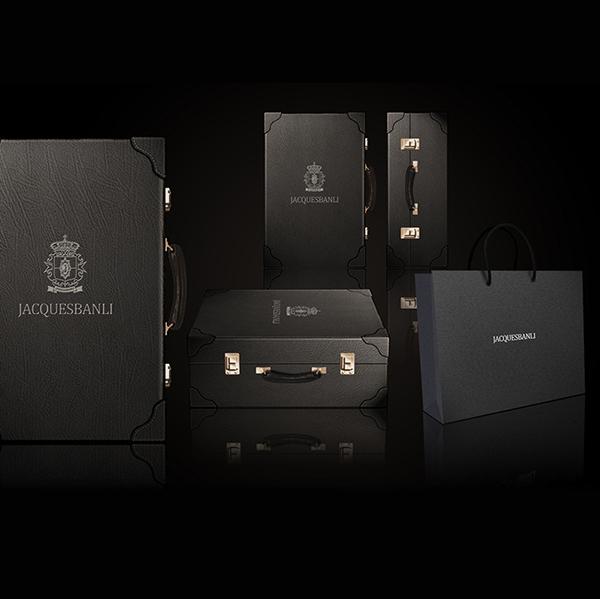 高档红酒皮质礼盒设计与定制