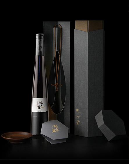 高档创意红酒礼盒包装设计与定制