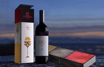 多色拼接高档红酒包装设计